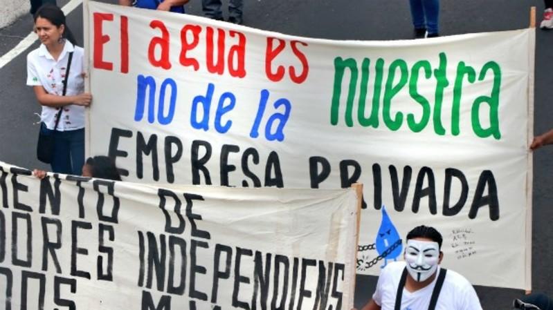 Protestas en El Salvador por privatización del agua