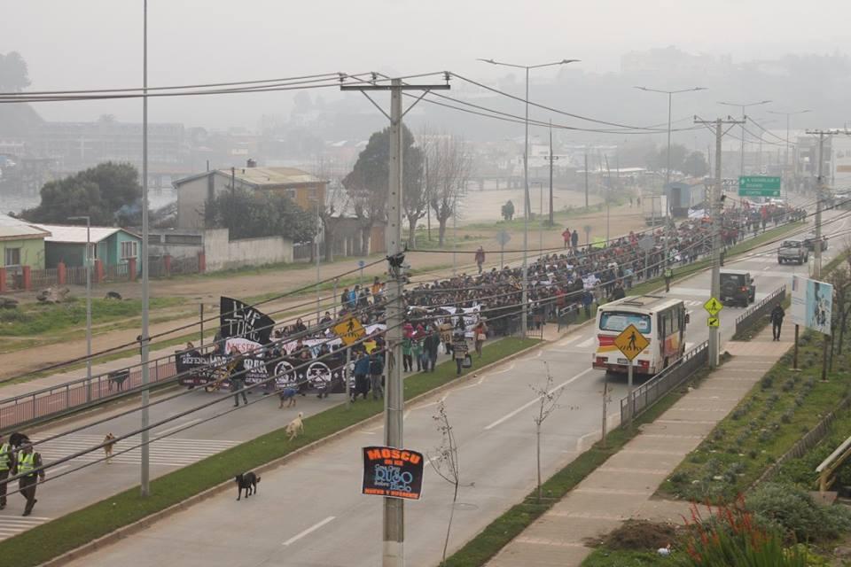 Masiva marcha en Tomé contra la aprobación del proyecto energético