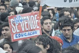 Usach: Movilizaciones exigen poder de decisión ante medidas arbitrarias tomadas por las autoridades en la pandemia