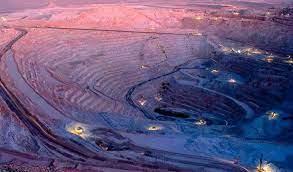 ¿ Como funciona El extractivismo minero y la depredación ambiental de sus grandes empresas?