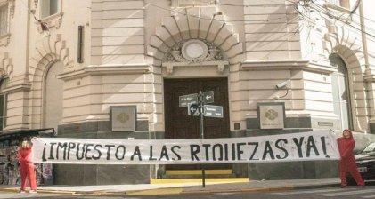 """Impuesto a los """"superricos"""": el Gobierno de Piñera busca salvar a sus amigos"""