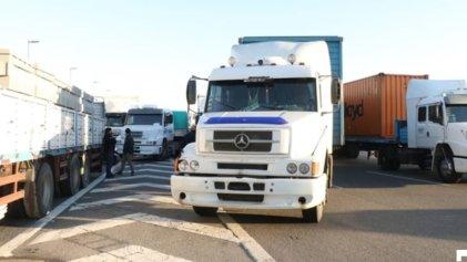 Protestas de transportistas y de Camioneros en rutas y accesos