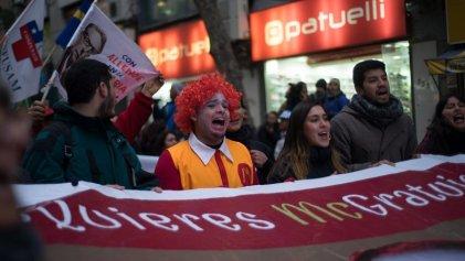 Chile se moviliza contra la precarización laboral juvenil