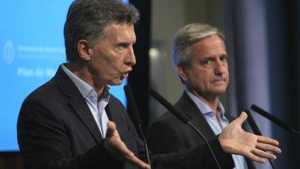 Administración pública: Macri firmaría un decreto que pone en riesgo más de diez mil empleos