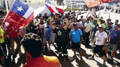 Claves para entender el conflicto de los trabajadores eventuales del puerto de Valparaíso