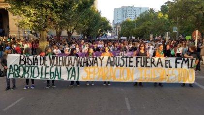 Repudiamos la expulsión de Pan y Rosas de la asamblea de mujeres en Punta Alta