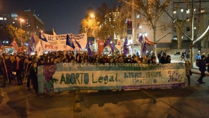 Miles de mujeres se movilizaron en Chile por el aborto legal
