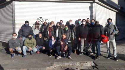 La Plata: trabajadores de La París denuncian 30 despidos por WhatsApp