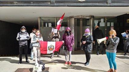 Miembros de la comunidad peruana en situación vulnerable exigen la repatriación