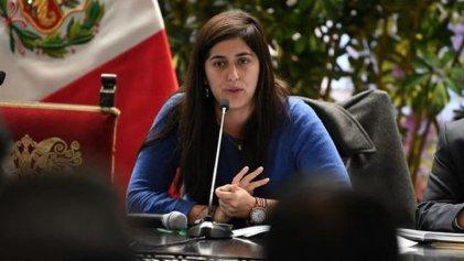 Perú: congresistas del Frente Amplio no firman moción de censura contra la ministra de Economía