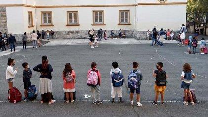 Suspenden clases en Estado español: casos de covid-19 entre profesores y estudiantes
