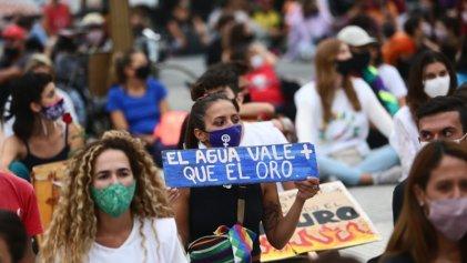 El agua vale más que todo: marcha en Buenos Aires contra el avance extractivista