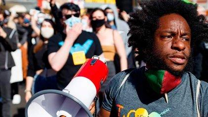 Entrevista: ¿Qué sigue para el Black Lives Matter después de la condena a Derek Chauvin?