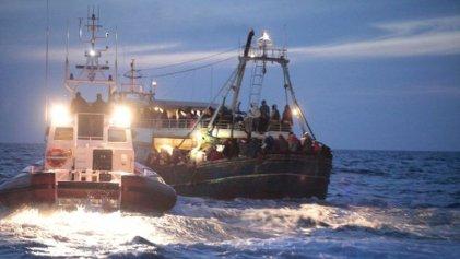 Nuevos náufragos africanos cerca de la isla italiana de Lampedusa