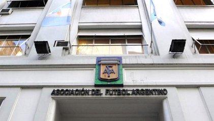 Allanaron la AFA y ocho clubes por presunta evasión y lavado de dinero en el pase de jugadores