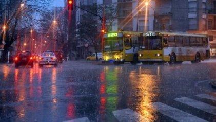 """Alerta de tormentas """"fuertes o severas"""" en todo el centro del país"""
