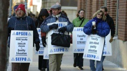 Huelga de profesores universitarios de Canadá por nueva norma de precarización laboral