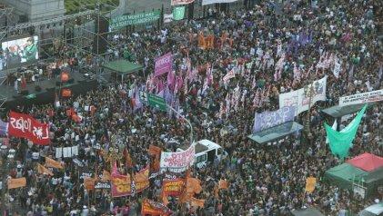 El 19F en Argentina: la juventud y las trabajadoras nuevamente llenan las calles por el aborto legal