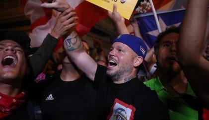 Residente y Bad Bunny le ponen música a las protestas en Puerto Rico