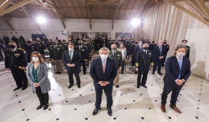 Fernández premió a las fuerzas de seguridad por su rol durante la pandemia