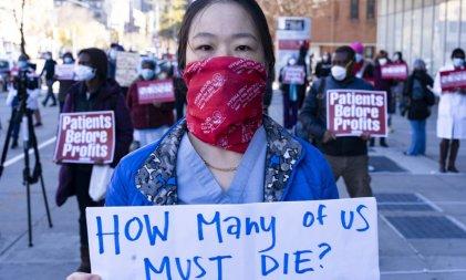 ¡Mujeres en la primera línea de la crisis sanitaria y en el combate contra el capitalismo patriarcal y racista!