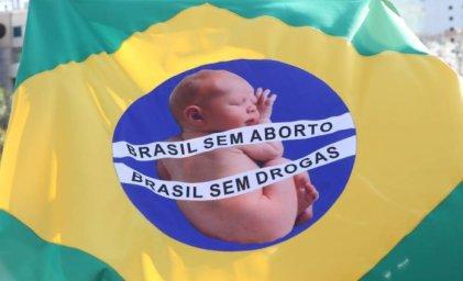 Ministra de la Familia en Brasil busca la prohibición total del aborto
