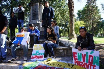 Bahía Blanca: Un sueldo de Gay equivale a 38 del Programa Envión