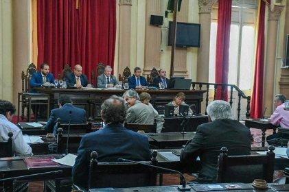 Salta: se votó la ampliación de la Corte, a medida del poder político