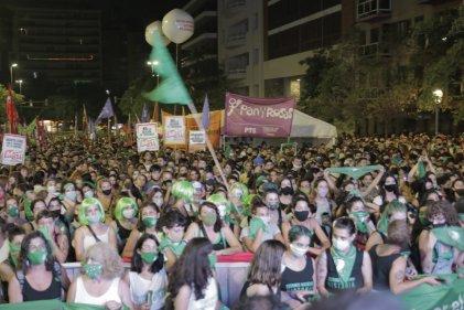 [Video] El #AbortoLegal es ley: jornada de lucha y festejo en Córdoba