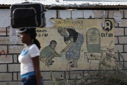 El director de Oxfam admitió haber pagado por sexo en Haití con dinero de esa organización