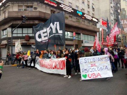 [Video] Protesta estudiantil en el Obelisco contra el recorte educativo de Macri y el FMI