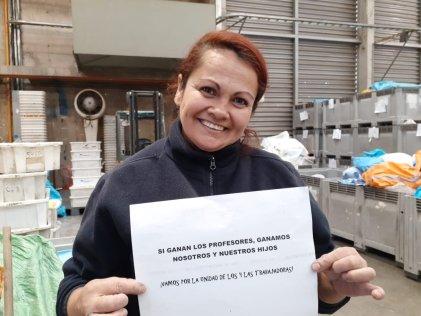 """Trabajadores de Correos Chile: """"Si ganan los profesores, ganamos nosotros y nuestros hijos"""""""