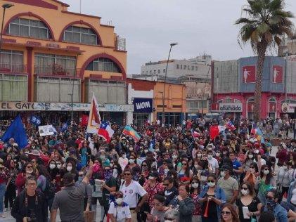 Gran marcha de trabajadores de la educación en Antofagasta
