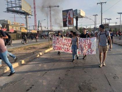 Movilizaciones en todo Chile tras asesinato de hincha de Colo Colo