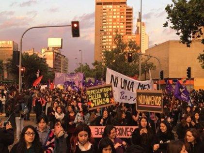 Chile dijo #NiUnaMenos con más de cien mil personas en las calles