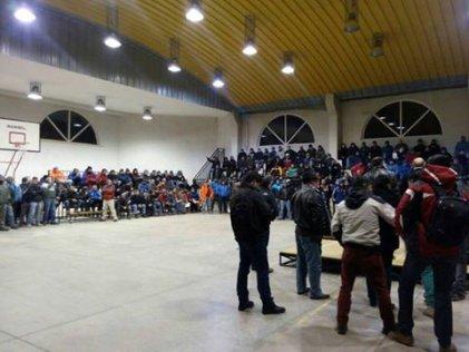 Contratistas de Codelco votan paro en asambleas en todo el país