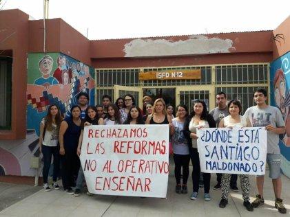 Docentes y estudiantes de Neuquén rechazan el Operativo Enseñar